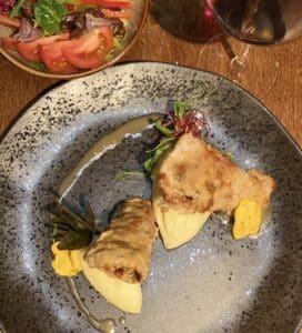 Saltimbocca con pure e insalata di rucola