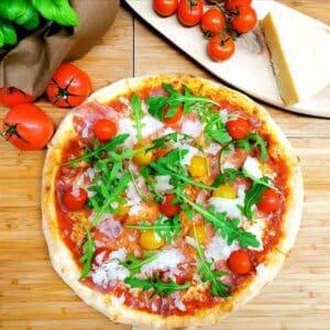 Pizza con Prosciutto crudo e rucola